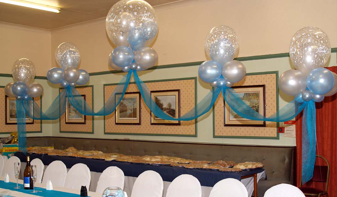 Balloon decoration eventi eleganti for Balloon cloud decoration